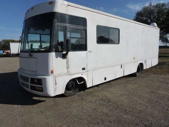 1999 Winnebago 30' Adventure chassis mobile office, vin 5B4KP37J5X3309515,