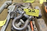 Chain hooks, clives.