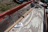Steel rake (1); Poly spring rake (1).