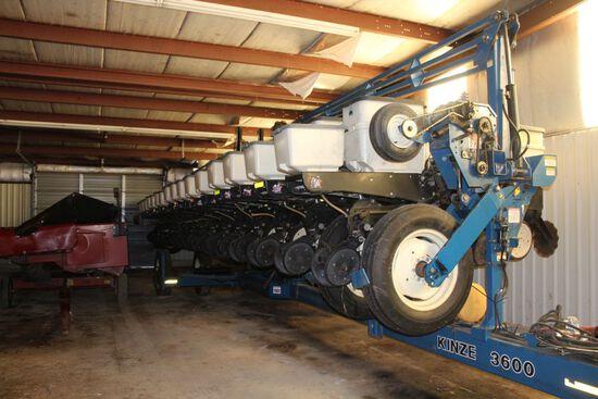 Kinze 3600 Interplant, 16 row corn, 31 row bean. No till planter, sn 616130