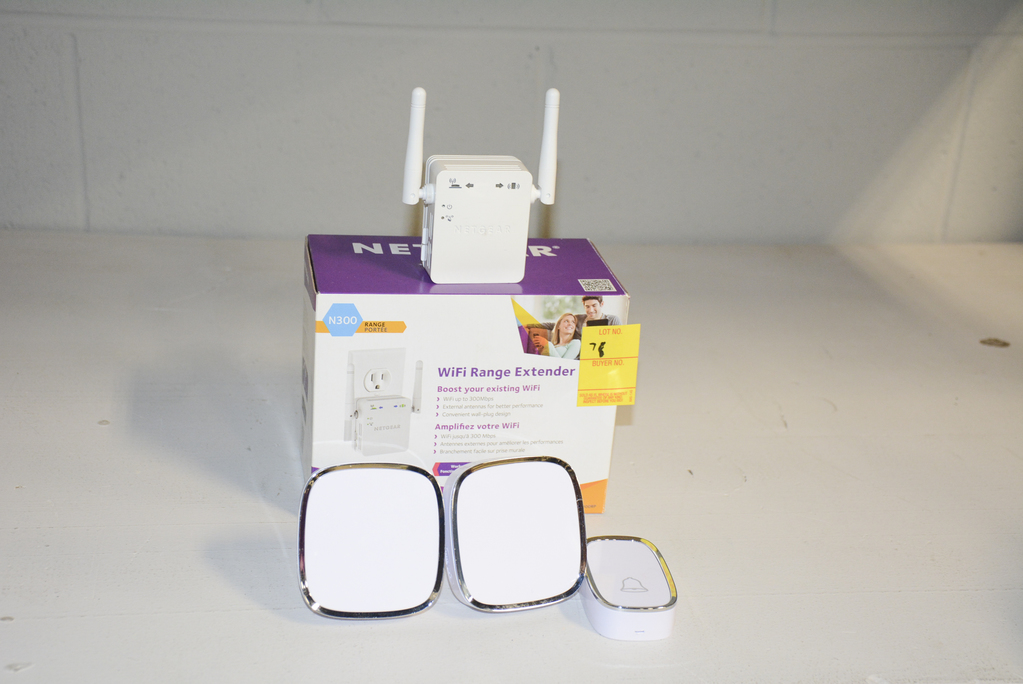 WIFI RANGE EXTENDER & WIRELESS DOOR BELL