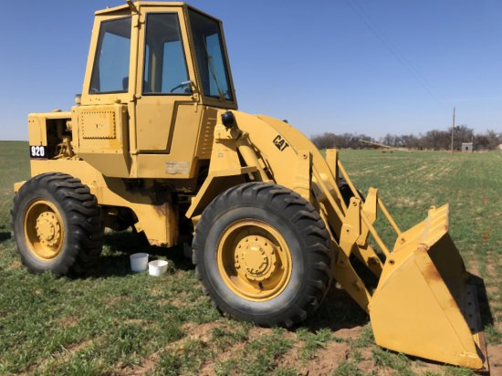 "CAT 920 ARTICULATING LOADER, HYDROSTAT, 80"" BUCKET, 15.5 X 25 RUBBER"