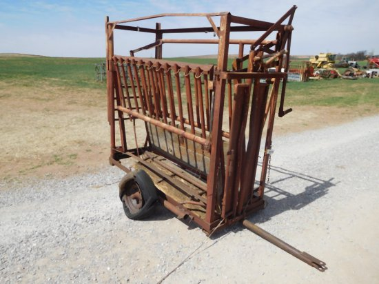 ATWOODS CATTLE SQUEEZE CHUTE