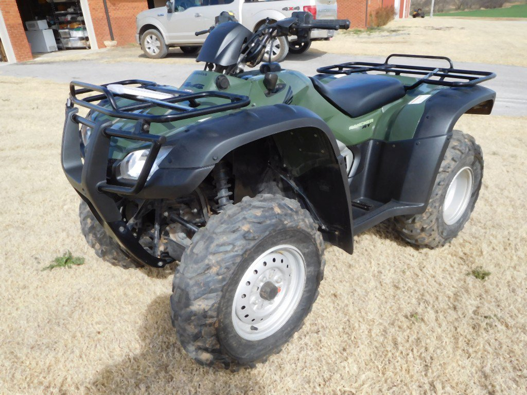 2006 RANCHER 400 AT, FRONT & REAR RACKS, 4 X 4, SHOWS 537 MI.