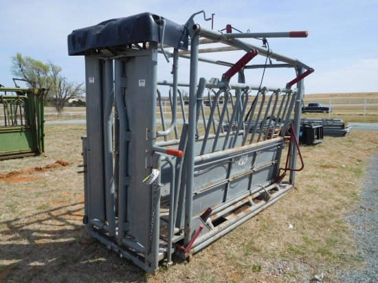 WW CATTLE SQUEEZE CHUTE, PALPATION CAGE, APPR. 30' WORKING ALLEY