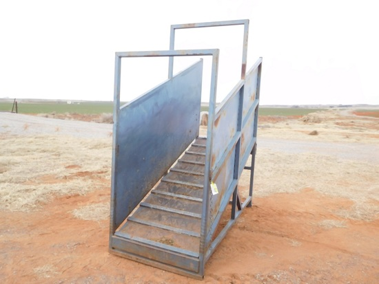 GPC TIPPER PORTABLE CATTLE LOADING CHUTE