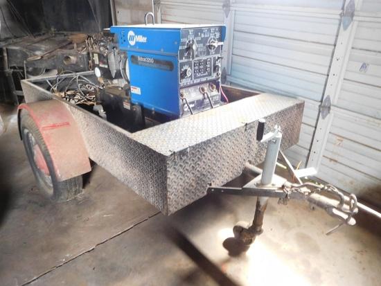 Miller 225G Welder, 8000w Generator, Onan 16 XLS Gas Engine, 2 Wheel Traile
