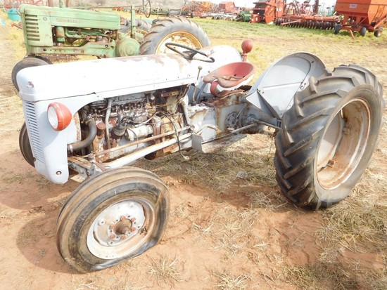 Ferguson 30 Tractor, 3 Pt. (Does Not Run)