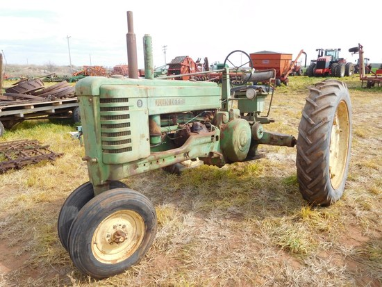 JD Model B Tractor, PTO, Tricycle, (Does Not Run)