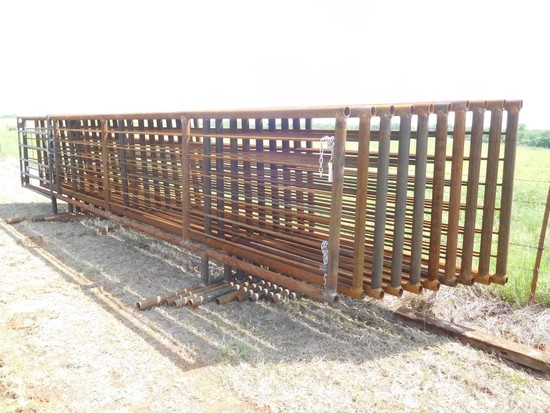 24' HEAVY DUTY FREE STANDING PANELS, ONE WITH 6' GATE ***SOLD TIMES THE MONEY*