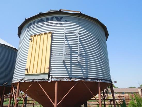 1000 Bu. Cone Bottom Grain Bin