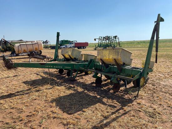 JOHN DEERE 7000 4 ROW COTTON PLANTER, FERT., INSECTICIDE BOXES