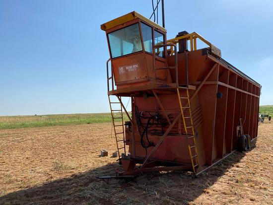 BUSH HOG HUSKY COTTON MODULE BUILDER, CAB