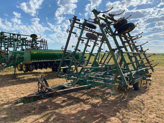 "JOHN DEERE 980 FIELD CULTIVATOR, 35', DF 9"" SWEEPS, REAR HITCH, HARROWS, SPRING SHANKS"