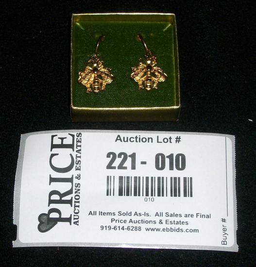 Lot 10: Set Of Vintage Beeline Fashion Gold Colored Bee Earrings