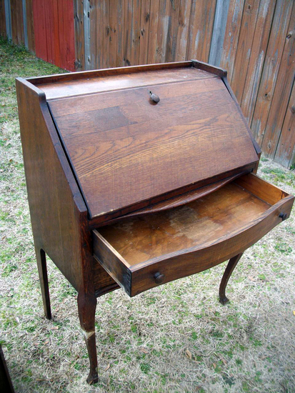 Lot 25: Vintage Secretary With Drawer - Approximately 1950'S With Back Repairs