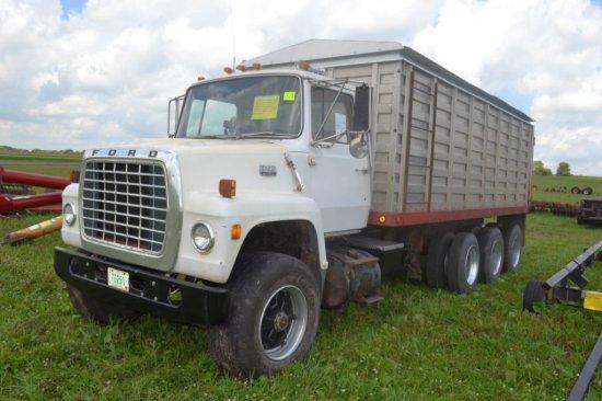 1975 Ford 8000 Tri Axle Grain Truck, Twin Screw,