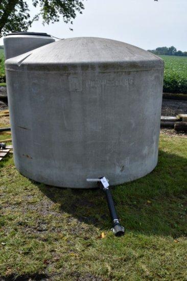 1600 Gallon Poly Nurse Tank