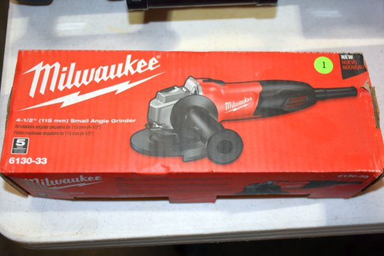 Milwaukee 4.5'' Small Angle Grinder New In Box