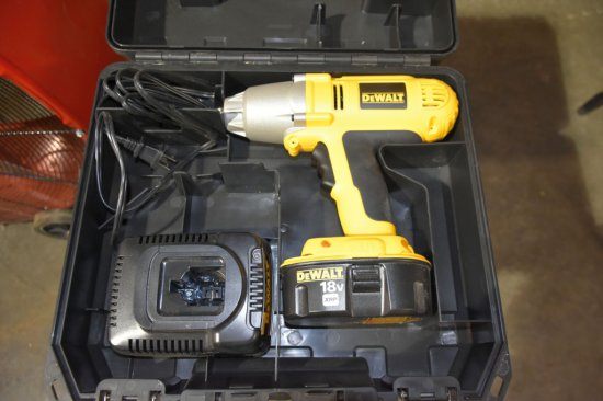 Dewalt 18 Volt, 1/2 Cordless Impact Wrench, Battery And Charger, Like New In Hardcase