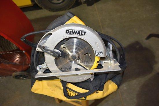 Dewalt 7.25'' Circular Saw, Used, With Job Bag