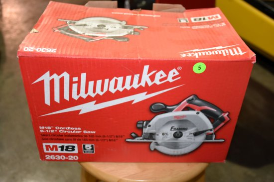 Milwaukee M18 Cordless, 6.5'' Circular Saw, Saw Only No Battery