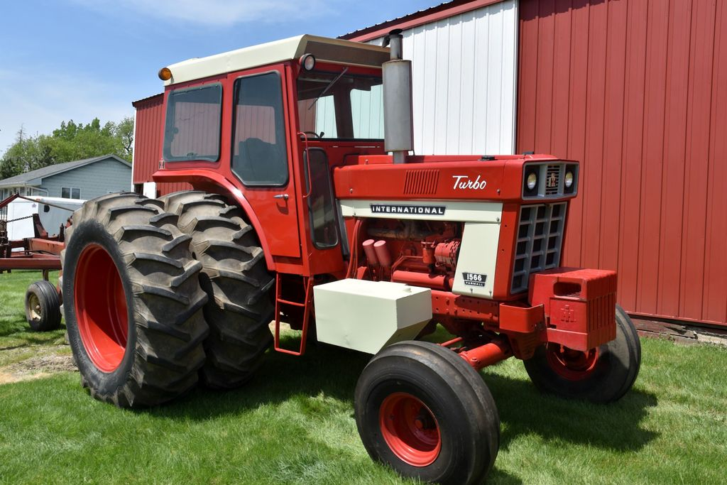 International 1566 Turbo, Cab, 20.8x38 Axle Duals, 2186 Hours Showing, 3pt, 2 Hydraulic, 1000 PTO,