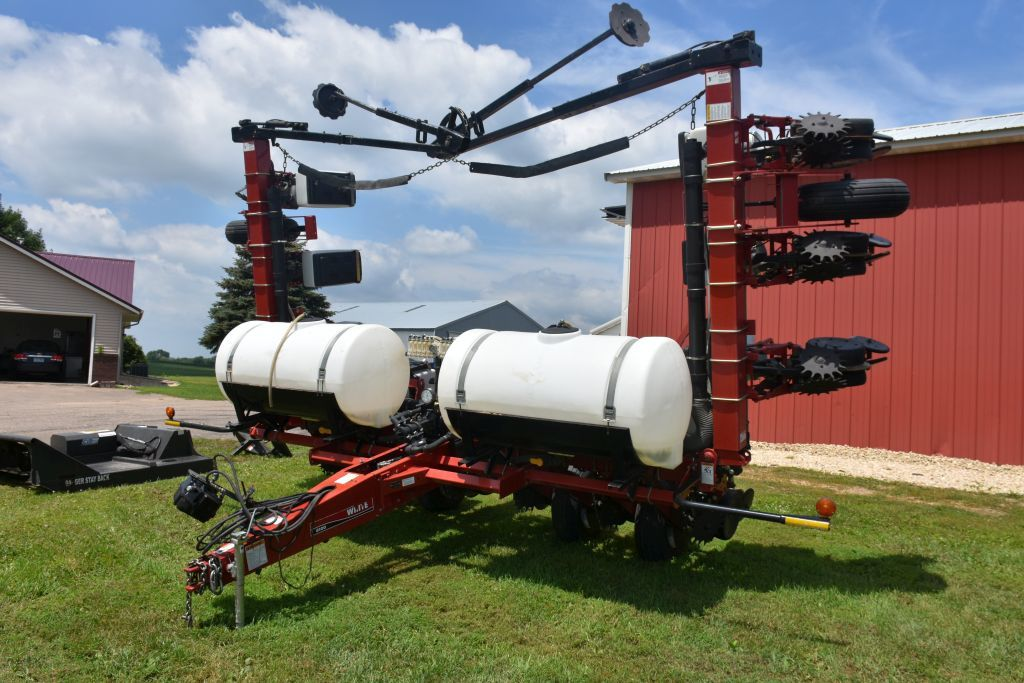 "White 8100 Planter, 12 Row 30"" Vertical Fold, Liquid Fertilizer, 2-200 Gallon Poly Tanks, Thumper Pi"