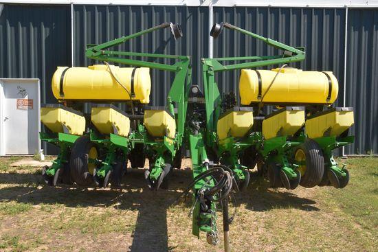 "John Deere 1760 MaxEmerge Plus Planter 12 Row 30"", Liquid Fertilizer, (2) 200 Gallon Poly Fertilizer"