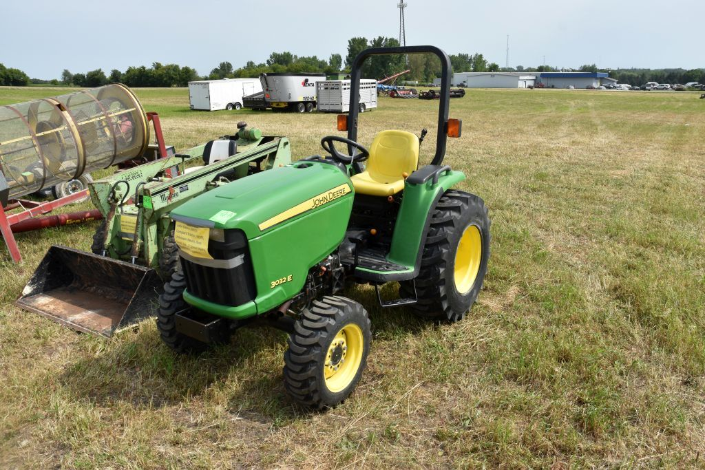 John Deere 3032 E Compact Tractor, ROPS,  Unknown Hours, Runs Good, 3pt., 2 Speed  Hydro, 15x19.5 Re