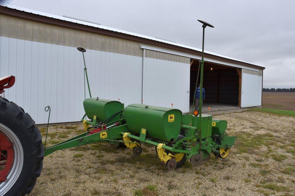 John Deere 1240 Planter 4row 3 Auctions Online Proxibid