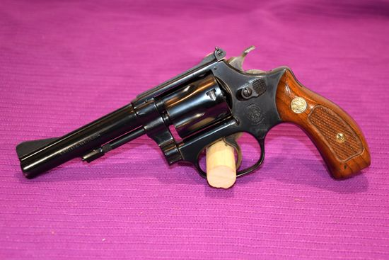 """Smith And Wesson Model 34-1 Revolver, 22 LR Cal, 4"""" Barrel, SN: M66012"""