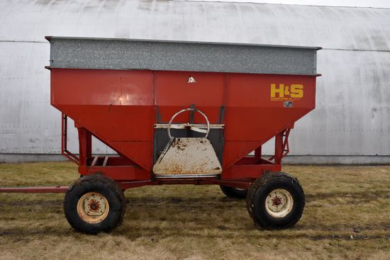 H & S 325 Gravity Box With Extensions, E-Z Trail 1074 Gear