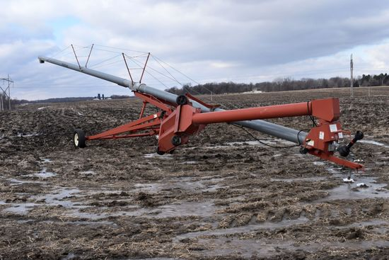 "Hutchinson 10"" x 71' Swing Hopper Auger, Hyd. Lift, 540 PTO, Good Conidtion, Has Kink In Tube By Swi"