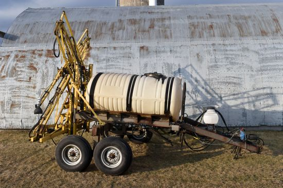 Century 750 Gallon Crop Sprayer, 60 ' Fold Booms, Adjustable Axle, Hyd Pump, Quick Fill, Foamer,