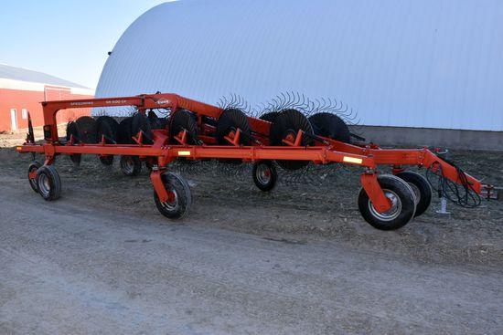 Kuhn SR 600 GII 16Wheel Speed Rake, 2 Center Kicker Wheels, Hydraulic Lift & Swing, Looks Like New,