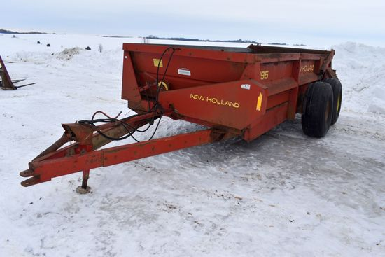 New Holland 195 Tandem Axle Manure Spreader, 1000 PTO, Slop Gate, Poly Floor