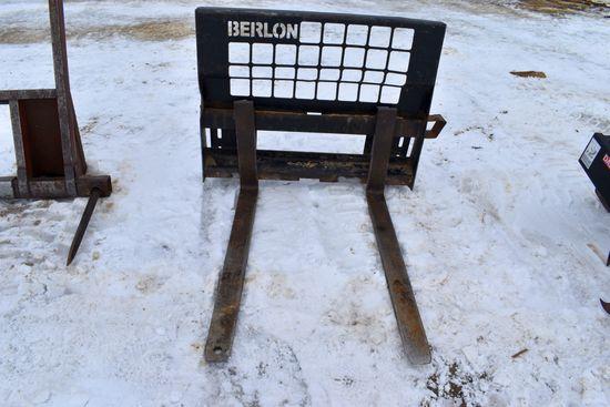 """Berlon 48"""" Pallet Forks, Universal Skid Loader Plate"""