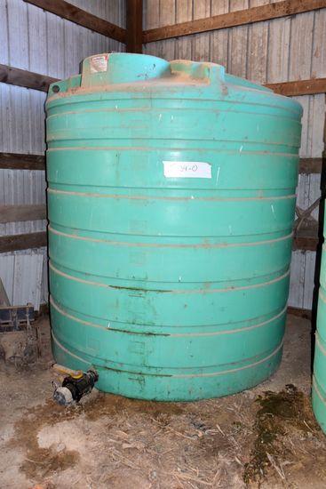 2,000 Gallon Vertical Poly Tank