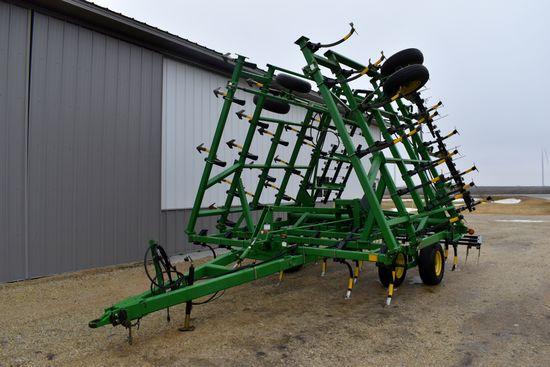 John Deere 980 Field Cultivator, 32.5' 3 Bar Harrow, Depth Control, Walking Tandems, SN: X009306
