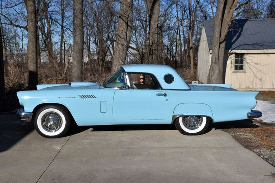 1957 Ford T-Bird, 312V8, Auto, P/B, Wire Wheels, Star Mist Blue, Completely Restored, Looks Rides an