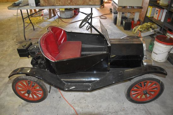 Ford Model T Scale Down Replica Briggs & Stratton Engine, 2 Person Seat