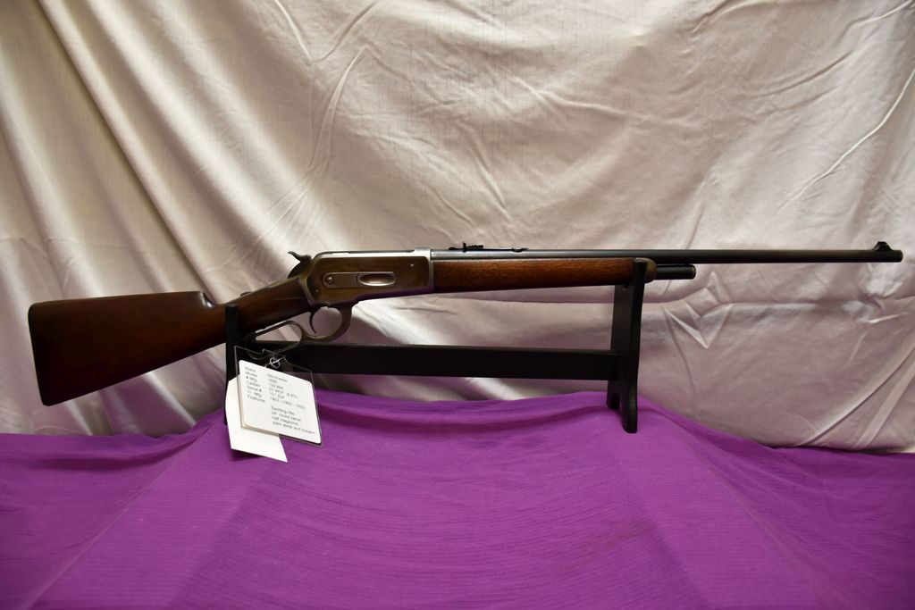 Winchester 1886 33 WCF Cal., SN: 131224, Sporting Rifle, 24'' Round Barrel, Half Magazine, Lever Act