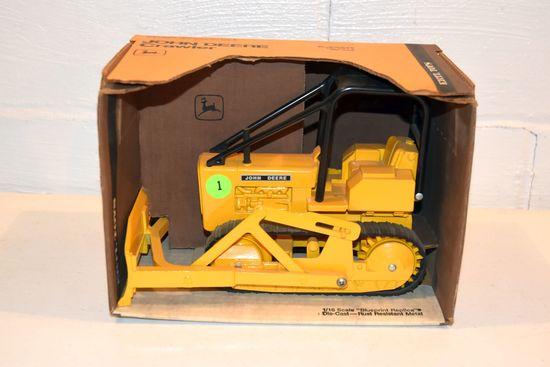Ertl John Deere Crawler, 1/16th Scale, With Blue Print Box