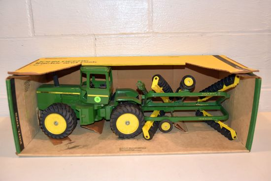 Ertl John Deere 4 Wheel Drive Tractor With Disk, Blue Print Replica, 1/16th Scale With Box
