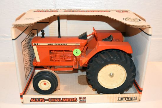 Ertl Allis Chalmers D21, Series 2, 1/16th Scale With Box