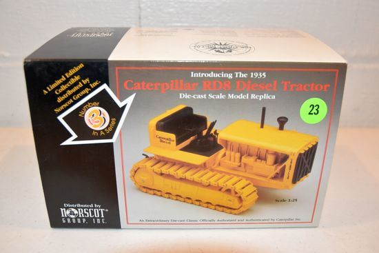 Norscot Caterpillar RD8, 1/16th Scale With Box,
