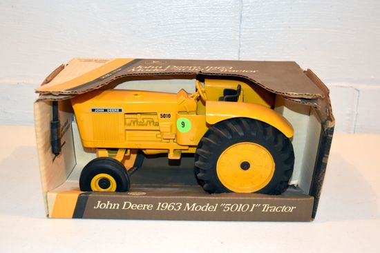 Ertl John Deere 5010 I Tractor, 1/16th Scale, With Box