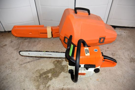 Stihl 023 Gas Chainsaw with Stihl Hardcase
