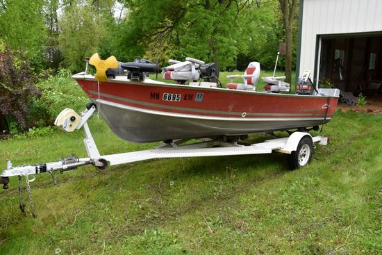 1982 Lund 16' Aluminum Fishing Boat, Console, Mariner 50HP Motor, Power Trim, With Lights, Minn Kota